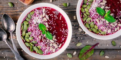 smoothie-gezond-vegetarisch-ontbijt-bieten-avocado-spinazie