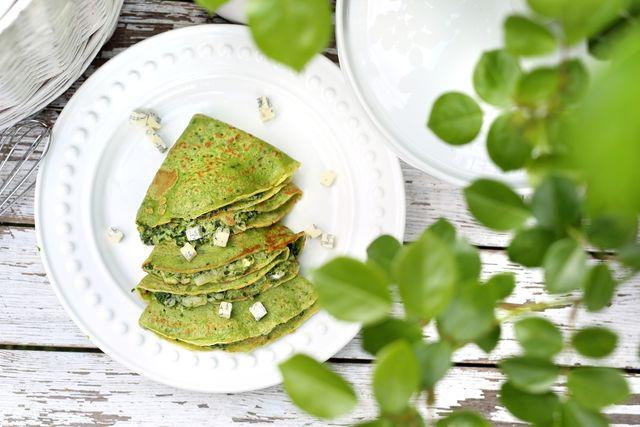 spinaziepannenkoek feta bord groen