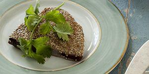 receta de atún en salsa de soja a la plancha con hummus