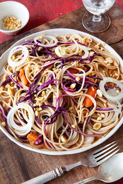 te enseñamos a preparar esta deliciosa, sana y nutritiva ensalada de fideos soba