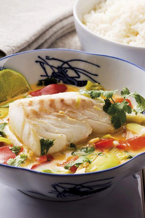 bacalao con verduras y leche de coco