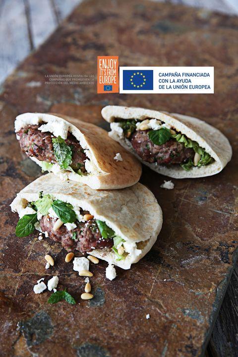 receta de carne de cordero con los logos de la unión europea
