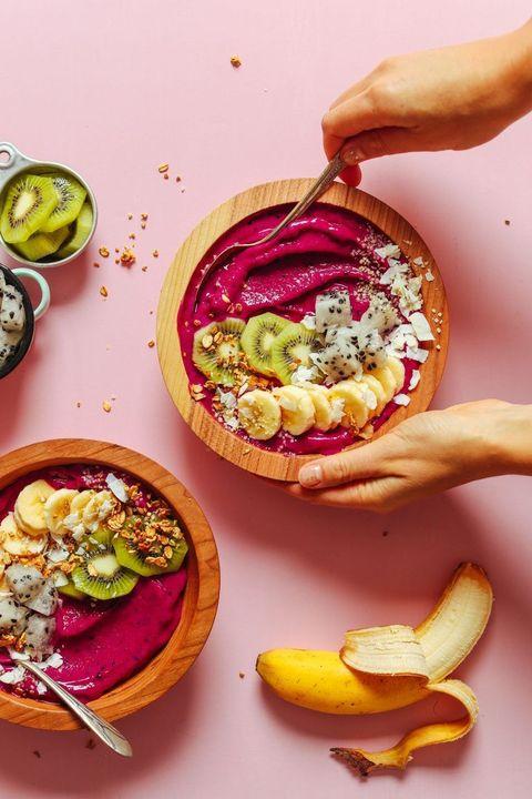 smoothie bowl cremoso con pitaya