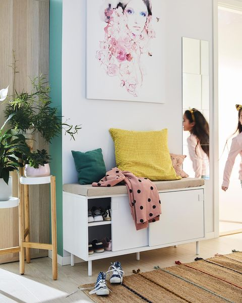 Recibidor con mueble multiuso de IKEA