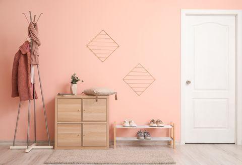 recibidor decorado en color rosa