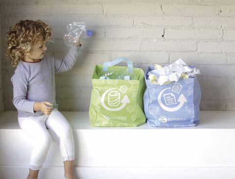 cómo reducir y reciclar residuos botellas plástico