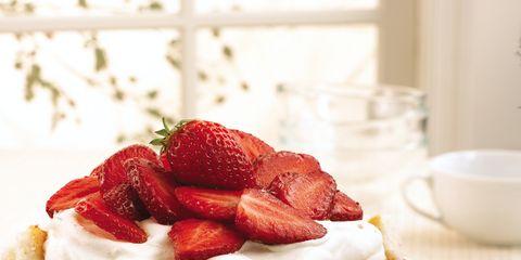 Food, Serveware, Cuisine, Dishware, Ingredient, Sweetness, Produce, Fruit, Dessert, Tableware,