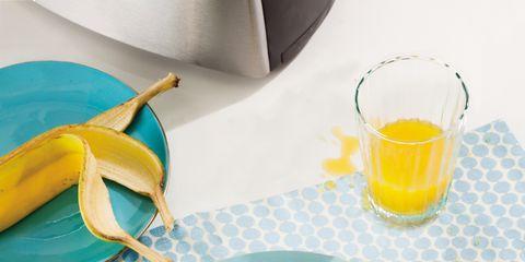 Serveware, Yellow, Food, Dishware, Cuisine, Tableware, Plate, Table, Ingredient, Dish,