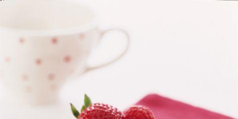 Serveware, Food, Dishware, Cuisine, Ingredient, Fruit, Dessert, Sweetness, Tableware, Baked goods,