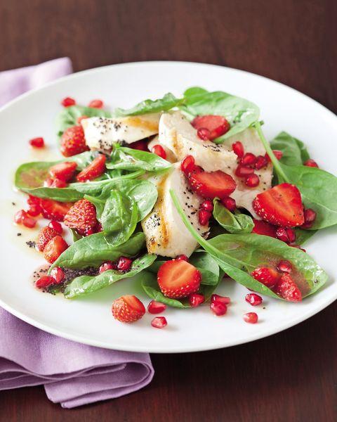 Dishware, Food, Serveware, Salad, Produce, Ingredient, Tableware, Cuisine, Plate, Leaf vegetable,