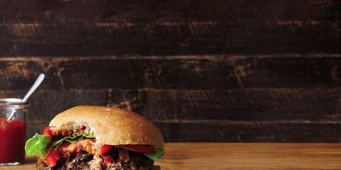 Finger food, Food, Cuisine, Ingredient, Tableware, Produce, Sandwich, Bun, Dish, Serveware,