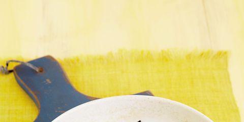 Dishware, Food, Ingredient, Leaf, Tableware, Produce, Serveware, Kitchen utensil, Recipe, Plate,