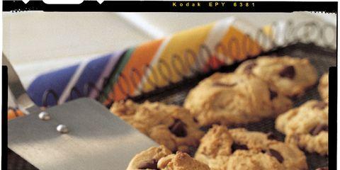 Food, Finger food, Chocolate chip cookie, Biscuit, Cuisine, Dessert, Cookies and crackers, Baked goods, Ingredient, Cookie,