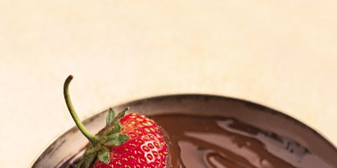 Food, Liquid, Fruit, Sweetness, Strawberry, Produce, Strawberries, Natural foods, Chocolate, Chocolate spread,
