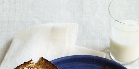 Food, Ingredient, Serveware, Cuisine, Meal, Tableware, Dishware, Breakfast, Bread, Dish,