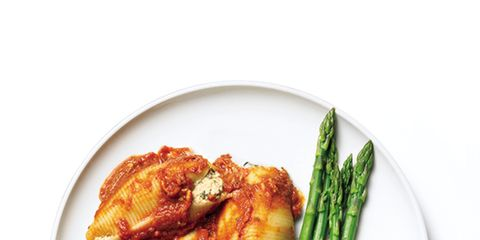 Food, Ingredient, Dishware, Dish, Recipe, Cuisine, Fried food, Tableware, Garnish, Chicken meat,