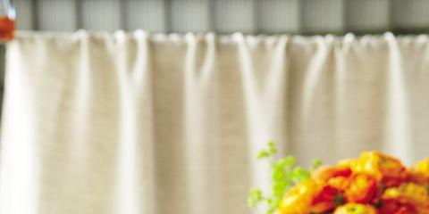 Petal, Serveware, Flower, Bouquet, Cut flowers, Interior design, Fried food, Drink, Flower Arranging, Artifact,