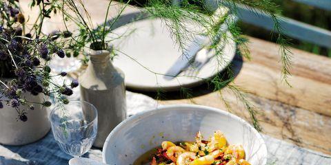 Flowerpot, Food, Dishware, Tableware, Plate, Cuisine, Serveware, Kitchen utensil, Ingredient, Meal,