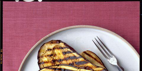 Food, Plate, Dishware, Cuisine, Breakfast, Kitchen utensil, Dish, Finger food, Snack, Serveware,
