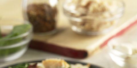 Food, Cuisine, Dishware, Ingredient, Serveware, Tableware, Leaf vegetable, Dish, Recipe, Plate,
