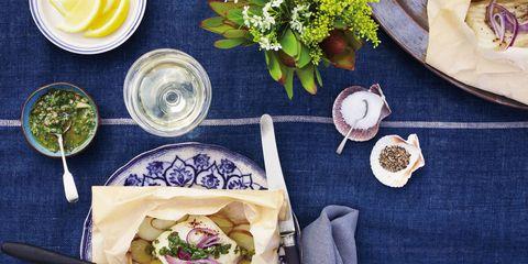Dishware, Food, Serveware, Cuisine, Dish, Tableware, Meal, Leaf vegetable, Plate, Ingredient,