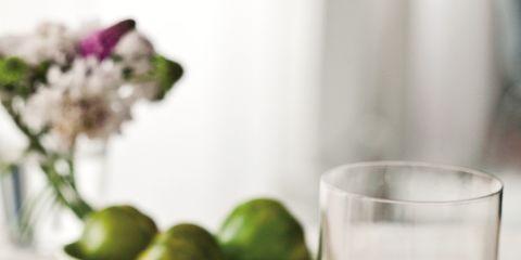 Serveware, Food, Dishware, Liquid, Glass, Tableware, Ingredient, Drink, Drinkware, Plate,