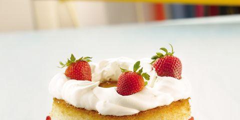 Food, Cuisine, Sweetness, Serveware, Ingredient, Dessert, White, Baked goods, Dish, Fruit,