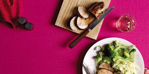 Food, Dishware, Cuisine, Ingredient, Tableware, Meal, Dish, Plate, Leaf vegetable, Produce,