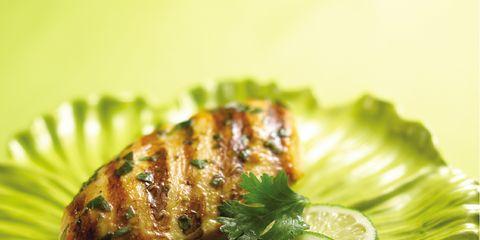 Green, Food, Citrus, Ingredient, Lemon, Produce, Plate, Fruit, Sweet lemon, Garnish,