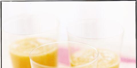 Yellow, Drink, Ingredient, Health shake, Juice, Tableware, Vegetable juice, Liquid, Smoothie, Batida,