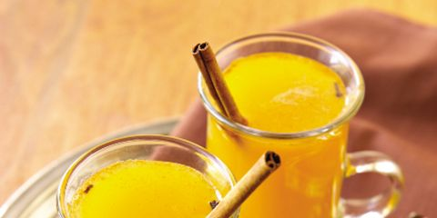 Serveware, Drink, Food, Ingredient, Tableware, Juice, Liquid, Drinkware, Orange juice, Produce,