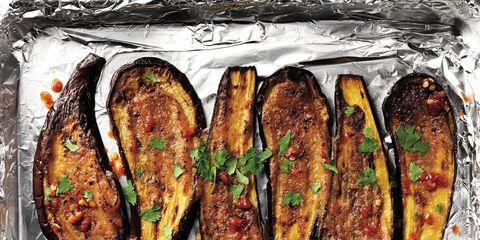 Food, Meat, Ingredient, Plate, Recipe, Dish, Cooking, Comfort food, Fast food, Serveware,