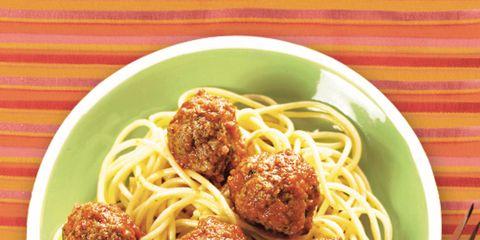 Food, Cuisine, Noodle, Spaghetti, Chinese noodles, Al dente, Dish, Kitchen utensil, Ingredient, Pancit,