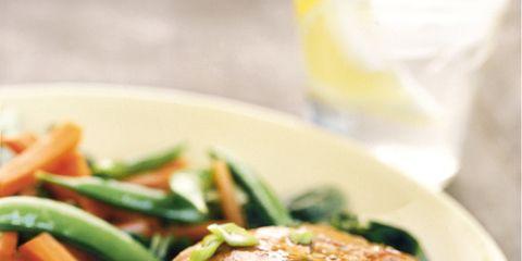 Food, Ingredient, Cuisine, Produce, Dishware, Plate, Dish, Tableware, Leaf vegetable, Meat,