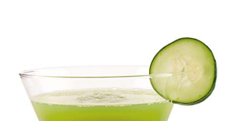 Green, Drink, Vegetable juice, Juice, Tableware, Liquid, Ingredient, Health shake, Cocktail, Non-alcoholic beverage,