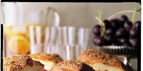 Sandwich, Finger food, Food, Cuisine, Baked goods, Produce, Ingredient, Meal, Dish, Tableware,
