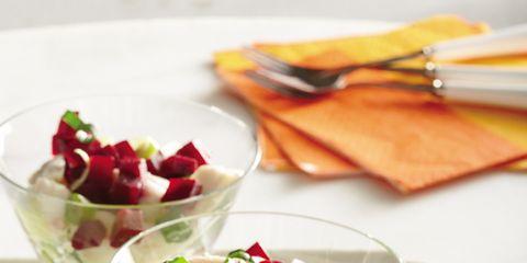 Fruit, Produce, Food, Lemon, Serveware, Citrus, Natural foods, Tableware, Dishware, Garnish,