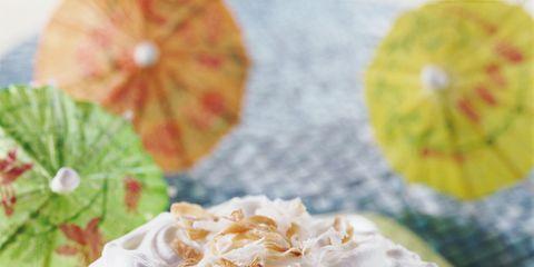 Cuisine, Food, Ingredient, Dishware, Dessert, Cake, Sweetness, Dish, Baked goods, Plate,
