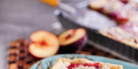 Food, Cuisine, Finger food, Baked goods, Serveware, Dessert, Ingredient, Plate, Dish, Tableware,