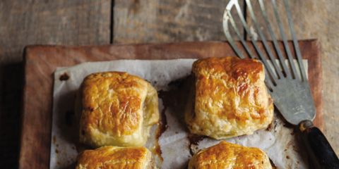 Food, Baked goods, Finger food, Dish, Bread, Cuisine, Cutlery, Kitchen utensil, Breakfast, Snack,