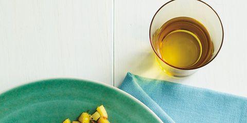 Serveware, Food, Dishware, Drink, Ingredient, Tableware, Cuisine, Green tea, Garnish, Oil,