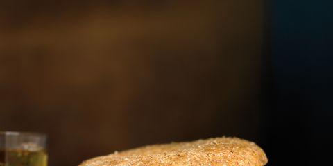 Finger food, Food, Ingredient, Produce, Cuisine, Sandwich, Dish, Drink, Tableware, Bun,