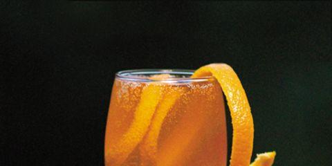 Glass, Liquid, Barware, Fluid, Drink, Drinkware, Cocktail, Alcoholic beverage, Table, Tableware,