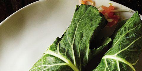 Food, Dishware, Leaf, Leaf vegetable, Cuisine, Ingredient, Serveware, Dish, Plate, Garnish,