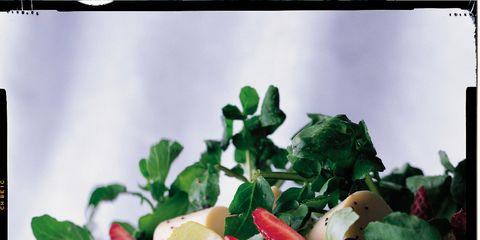 Food, Produce, Fruit, Natural foods, Strawberry, Strawberries, Liquid, Ingredient, Garnish, Tableware,