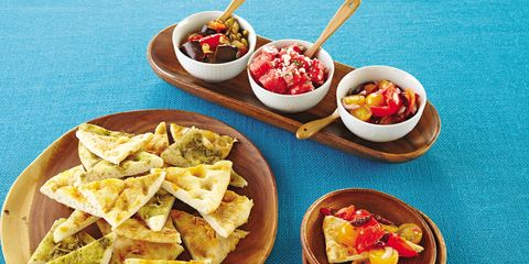 Food, Cuisine, Totopo, Dish, Meal, Tableware, Table, Ingredient, Plate, Corn chip,