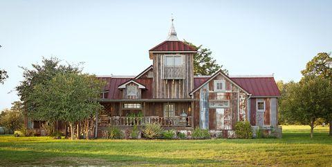 rustic farmhouse decor - reclaimed wood ideas
