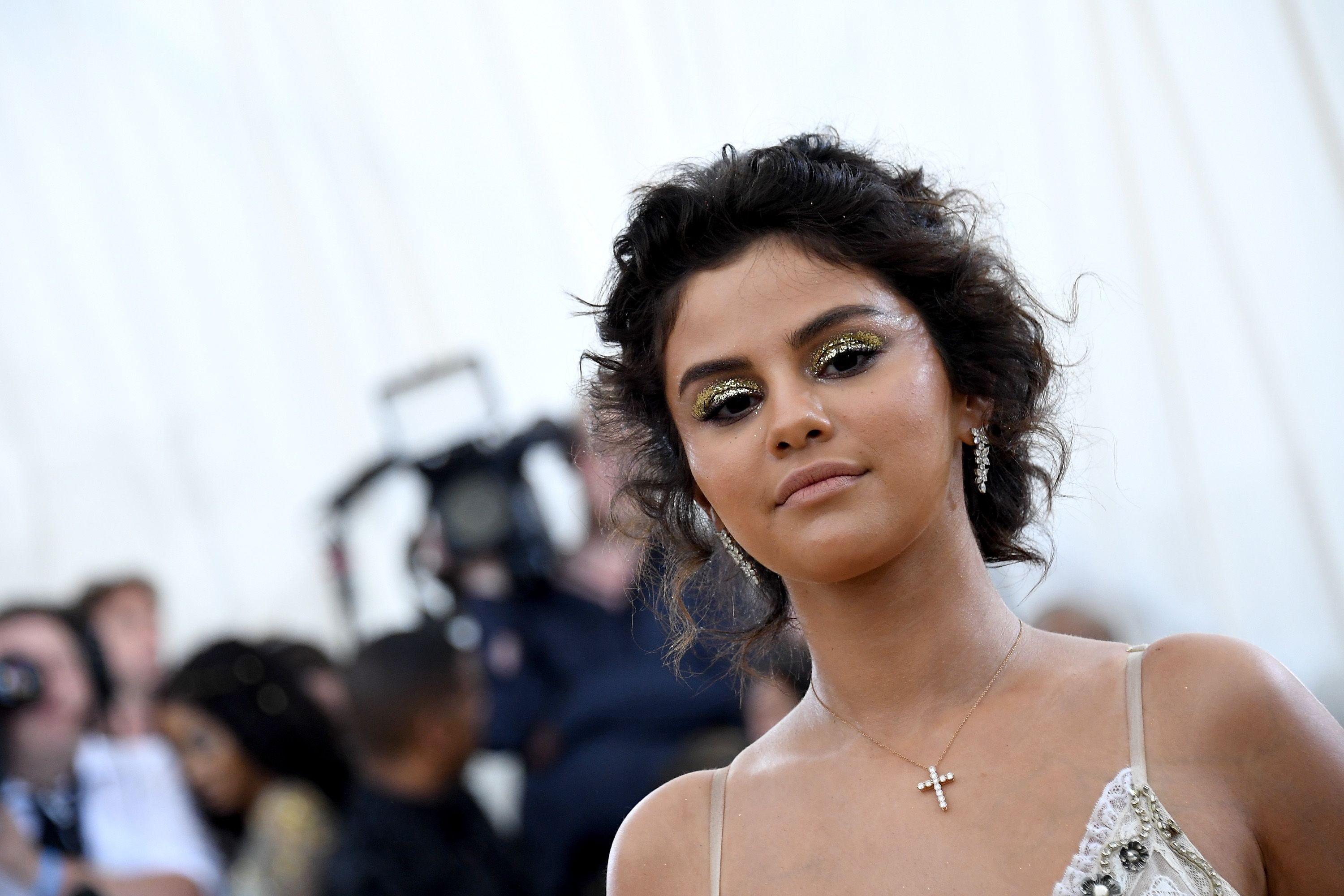selena gomez dating news 2019