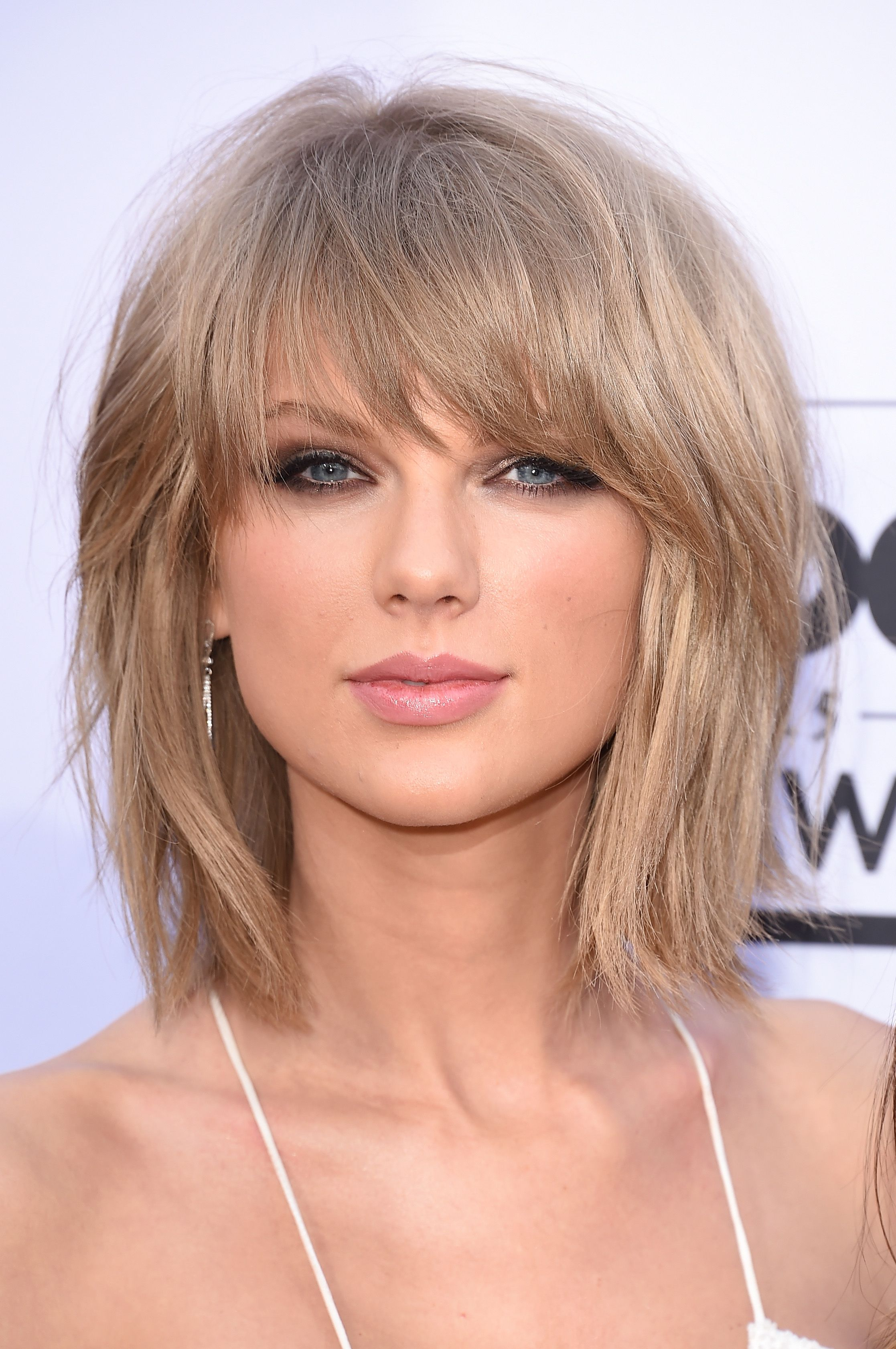Long Layered Hairstyles With Bangs 2019 84
