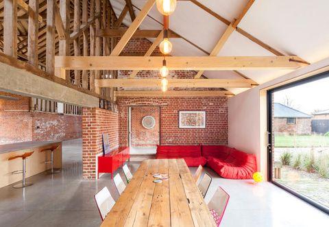 Wood, Lighting, Floor, Room, Interior design, Flooring, Property, Hardwood, Ceiling, Light fixture,